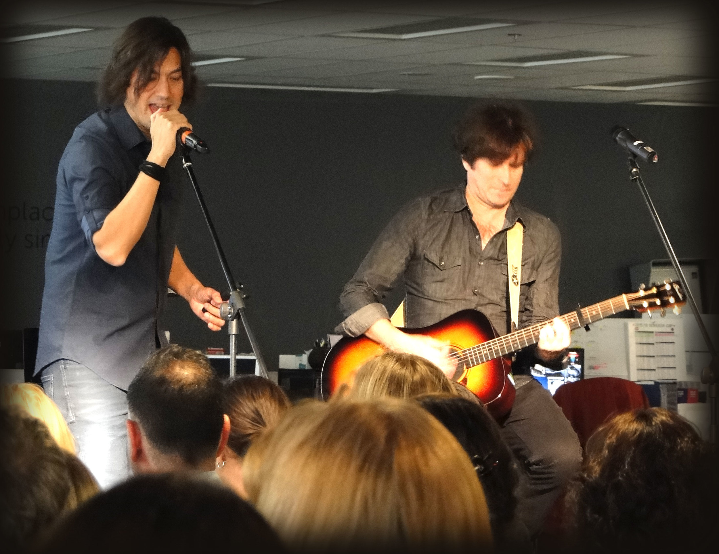 David Usher with Jonathan Gallivan, Guitarist