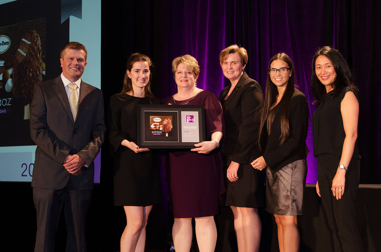 Häagen-Dazs exträaz was one of the winning projects for Bridgemark at the PAC Canadian Leadership Awards Gala on June 4th. Accepting the award was Sara Rodrigues (Marketing Manager, Nestlé), Lisa Beausoleil (VP Marketing, Nestlé), Dayana Rebolledo (Assistant Marketing Manager, Nestlé) and San Yee Nye (VP Account Director, Bridgemark).
