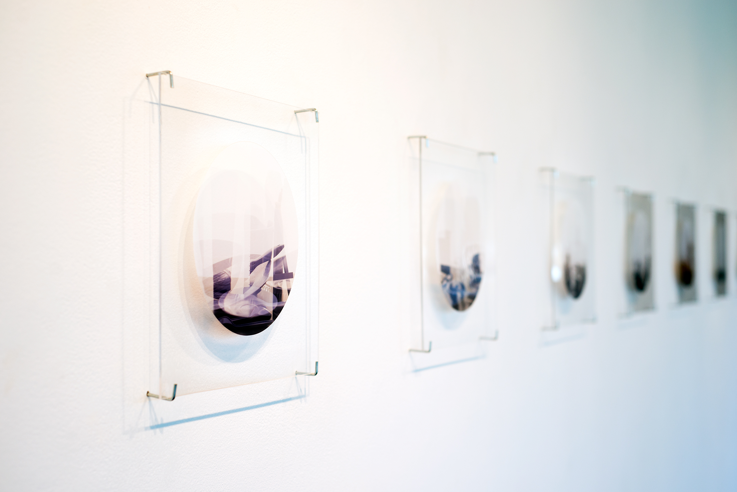 Installation view of the pieces.