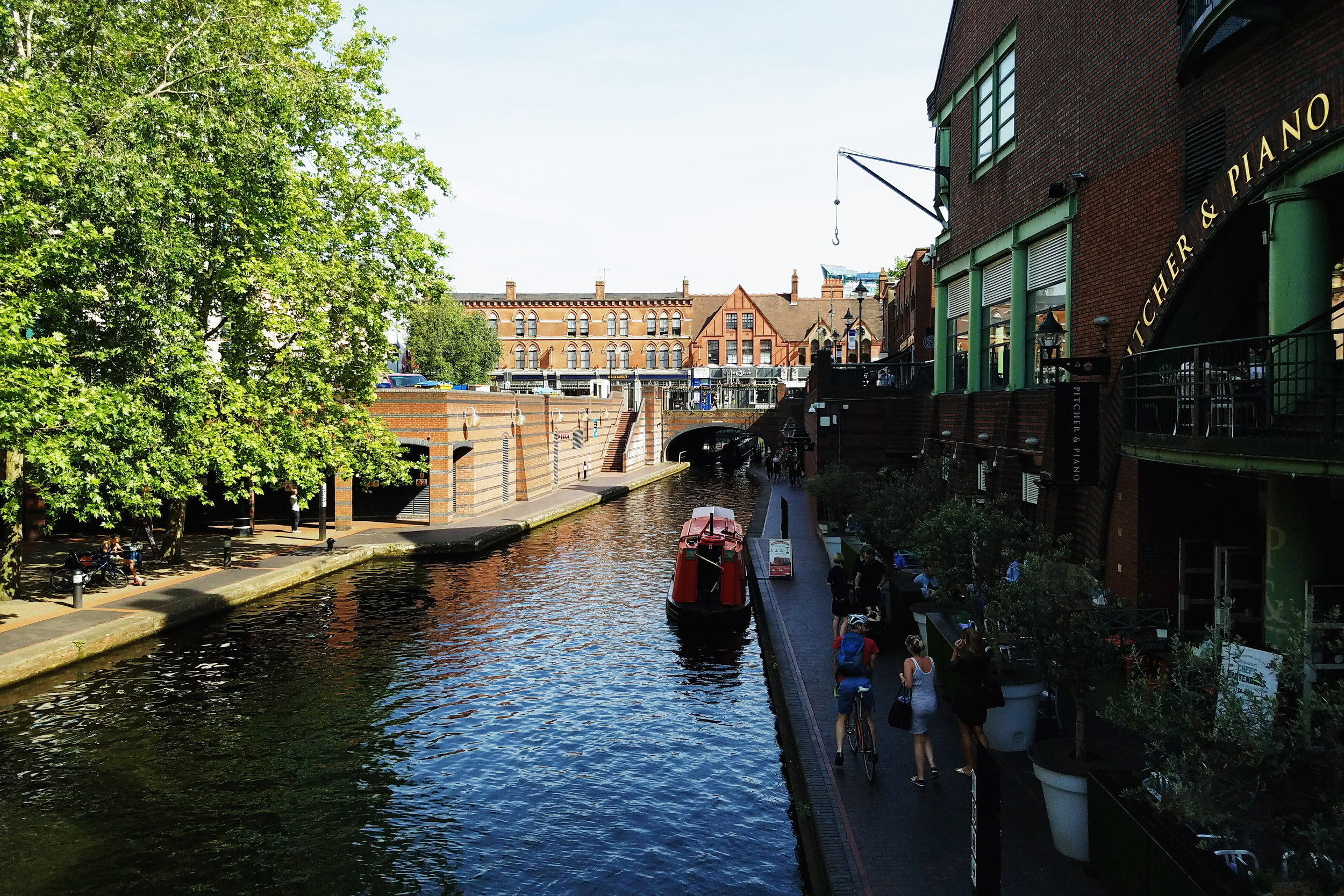 Exploring The Birmingham Canals