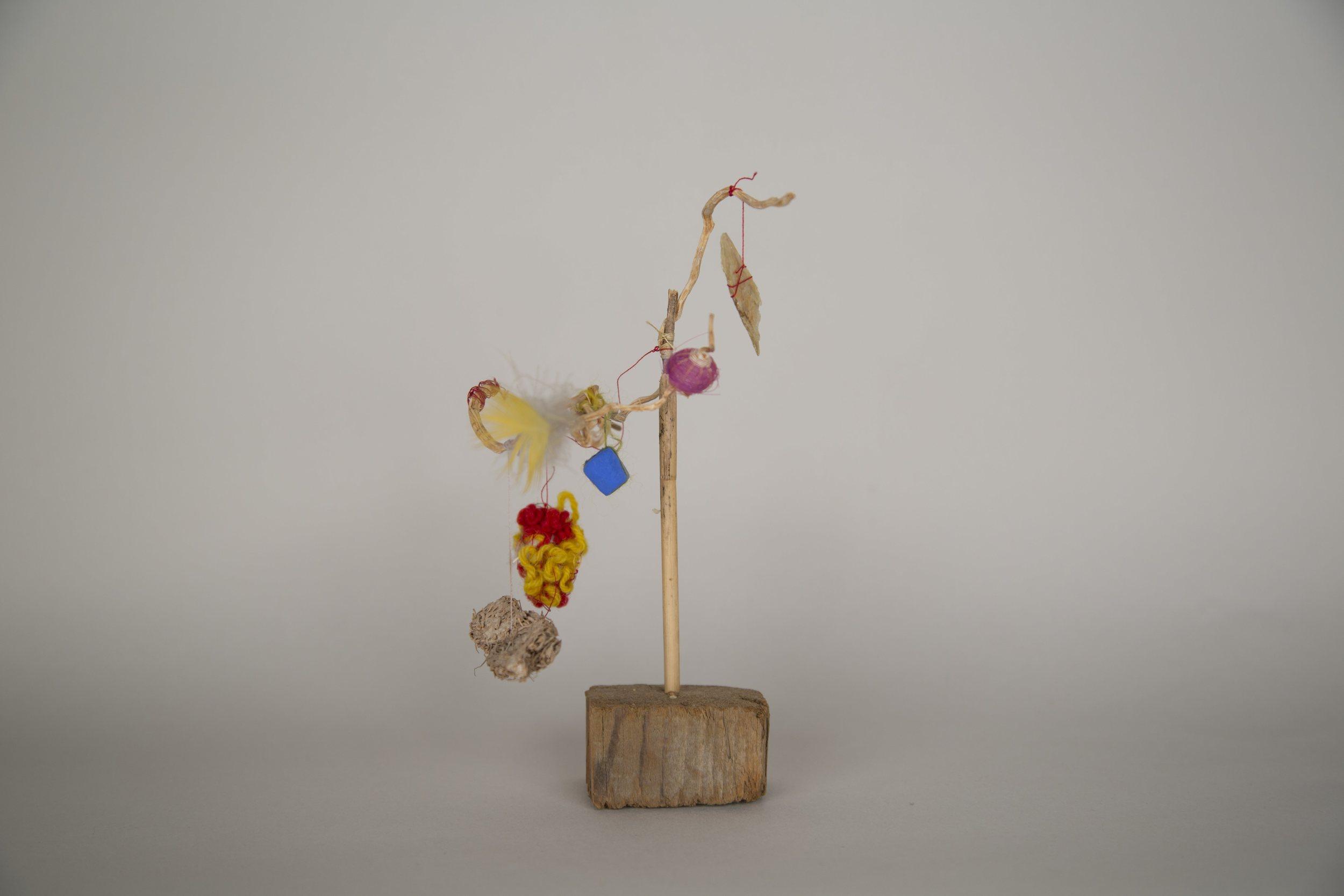 Árbol de Vida, Cecilia Vicuña, 1983