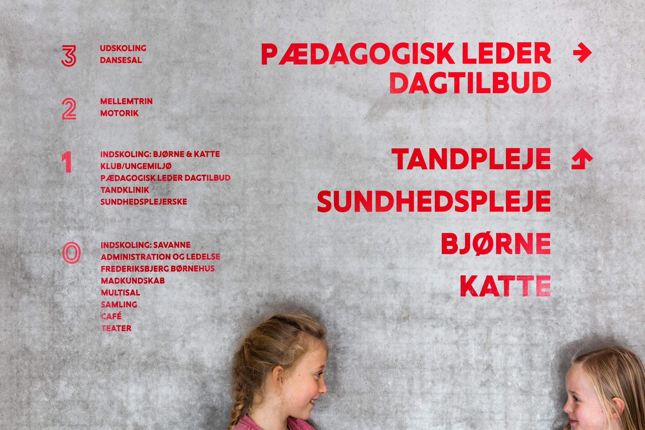 HLA_Frederiksbjerg_Skole_Wayfinding_064.jpg