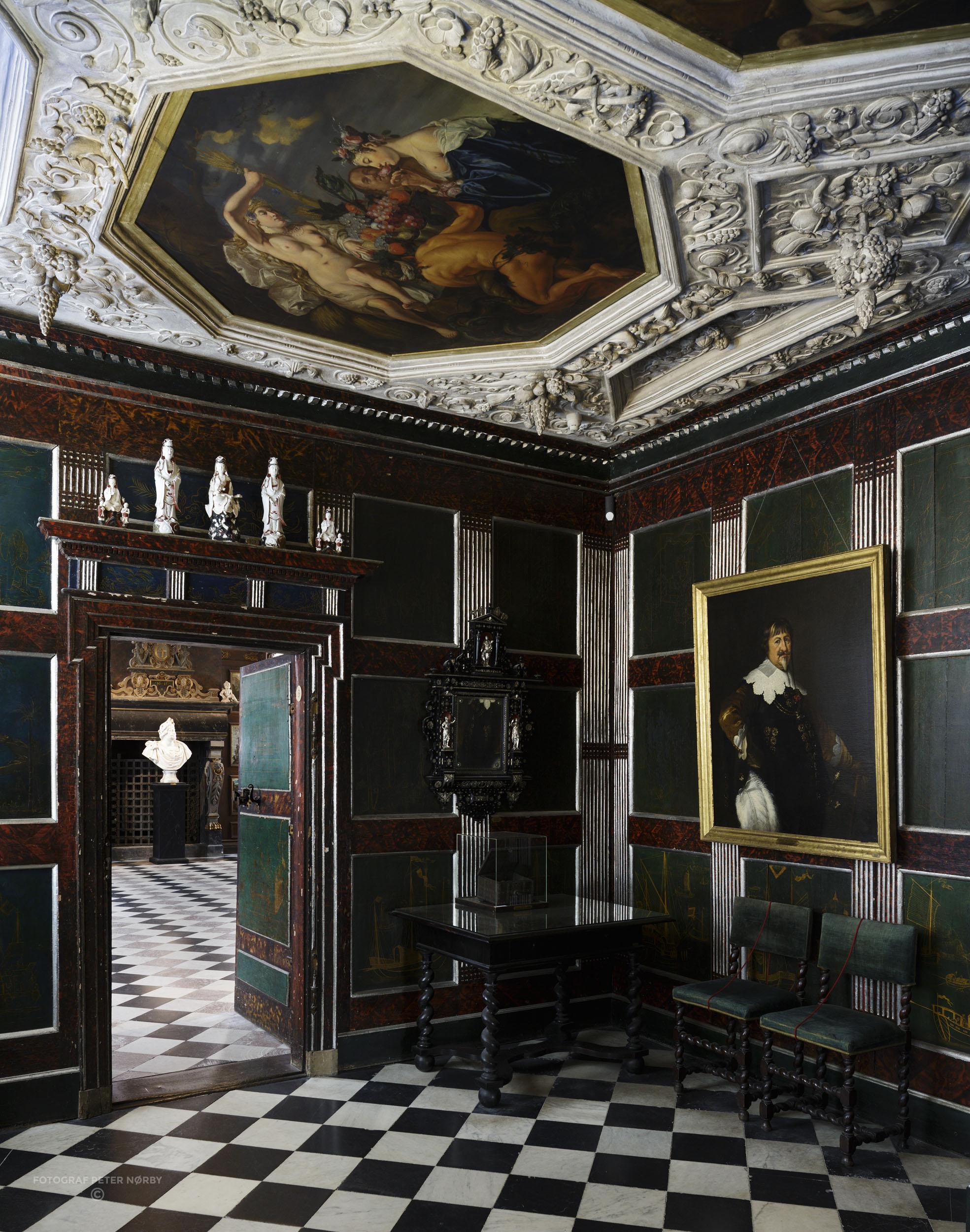 Rosenborg_Room3_02.jpg