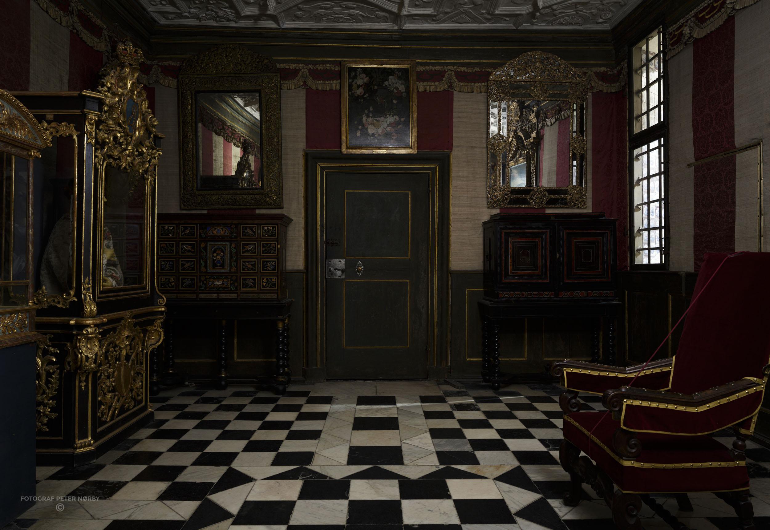 Rosenborg_Room4_03.jpg