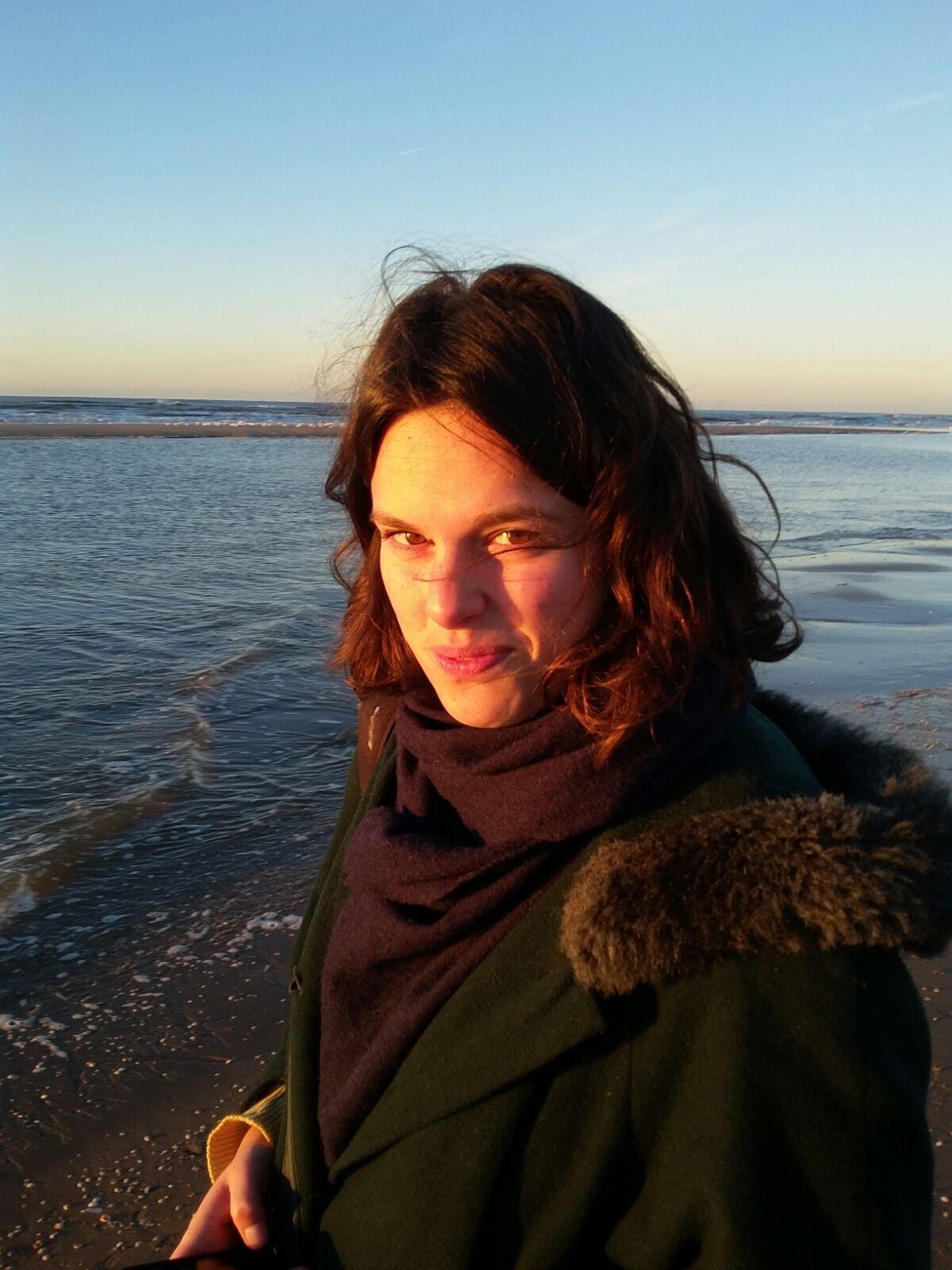 Simone Eleveld Headshot.jpg