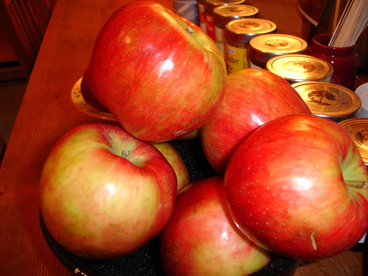 Michigan Honeycrisp Apples at the Breakfast Table White Rabbit Inn