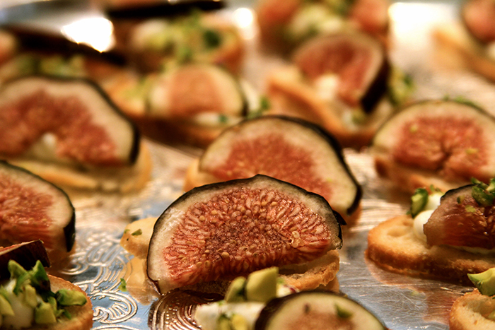 Fresh Figs with Herb Cheese and Pistachio