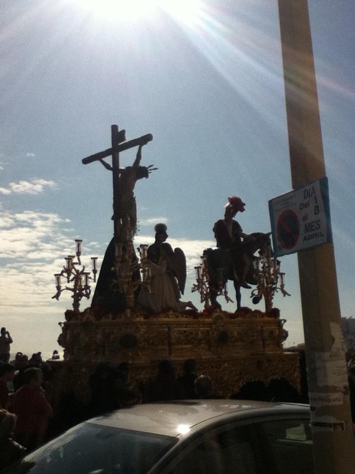 Jesus entered the square.
