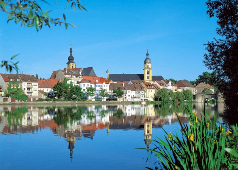 The town of Kitzingen is one of the stops on the barge cruise on the Main River in central Germany. You can paint this to prepare for the trip.