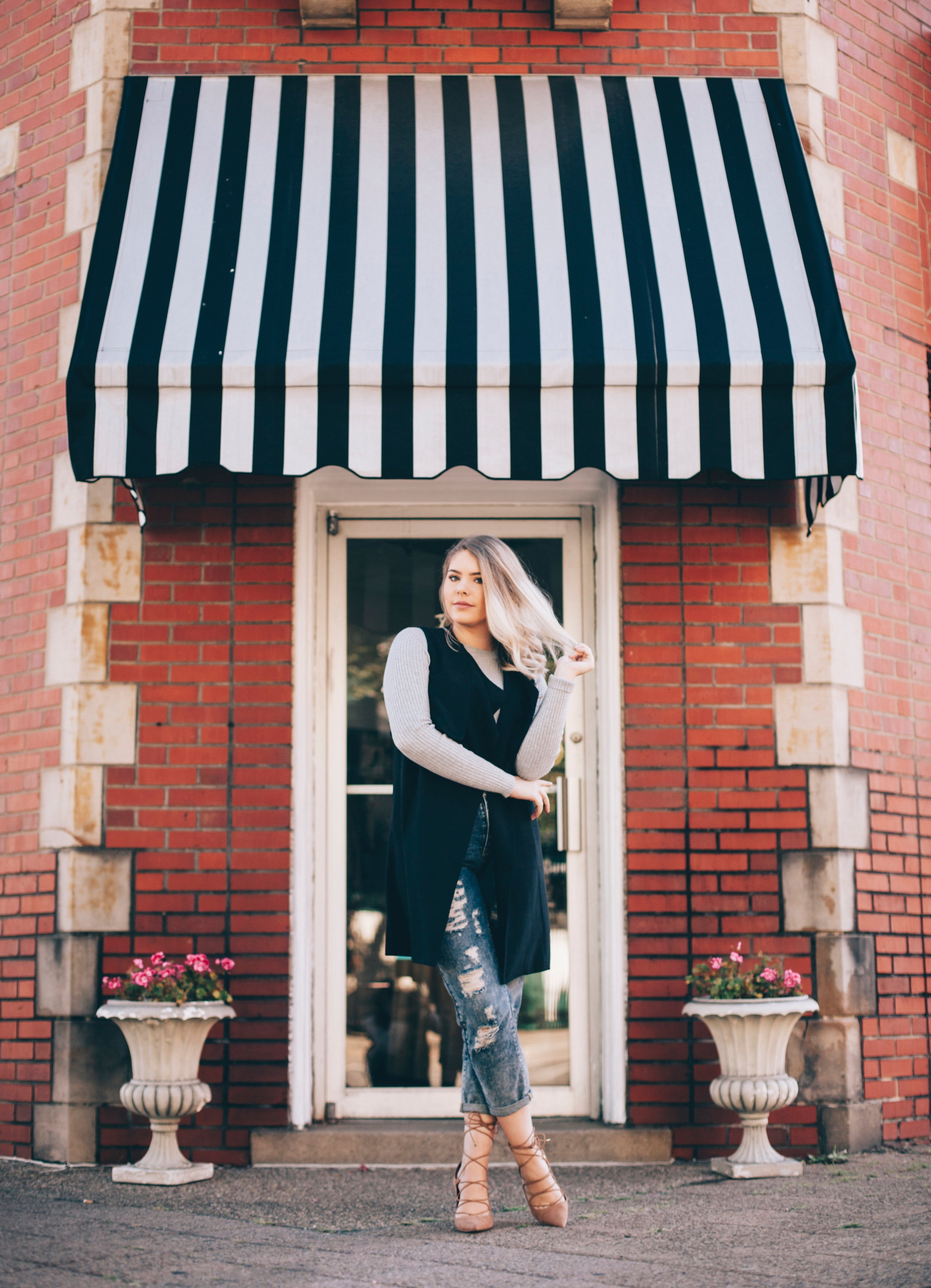 """""""I am just in love with her photography style"""" - Kristin is AMAZING. She did my senior pictures and she brought all of my ideas to life. I am just in love with her photography style. I can not recommend her enough.- Taylor, Carnegie PA"""