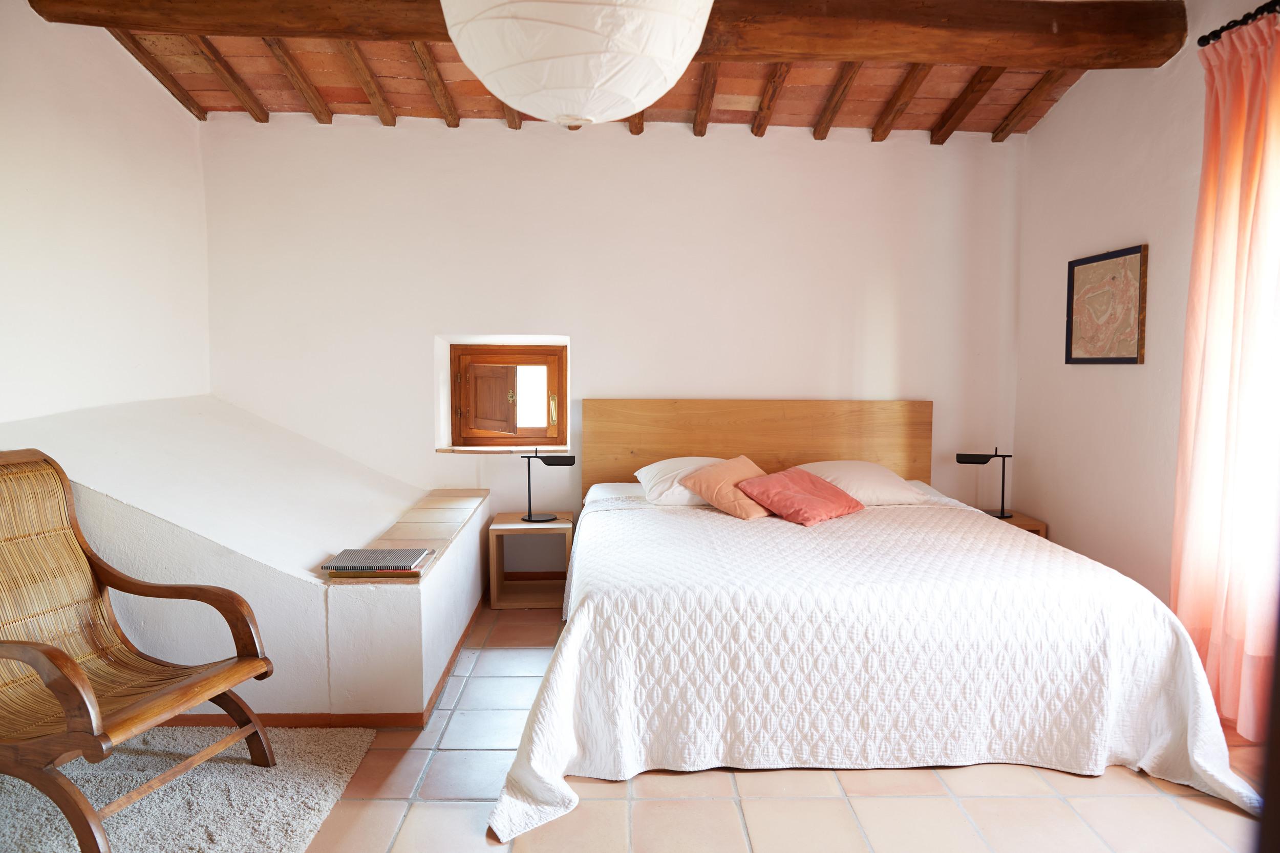 Attraktives, privates, typisch toscanisches Haus mit verschiedenen Wohnebenen für 4+ Personen. Ab 171 €/Tag (Off-Saison)