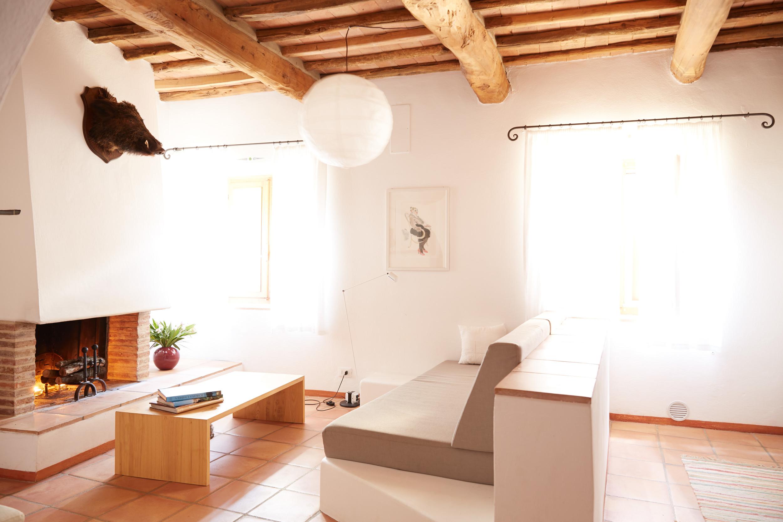 Gemütlicher Hausteil mit offener Küche und Wohnraum mit Cheminée für 4+ Personen. Ab 127 €/Tag (Off-Saison)