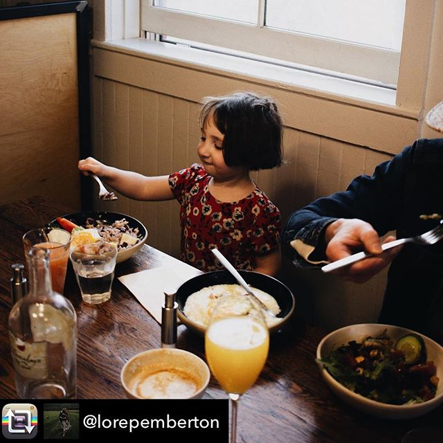 Food with friends and family. Savor your time. #repost @lorepemberton . . #vteats #downtowndining #vermontbyvermonters #meetme #brunch #kidfriendly #vergennes #middlebury #donuts #ricebowl #prixfixe #dineout #dinnerdate #eeeeeats #foodography #instafood #vermontlife
