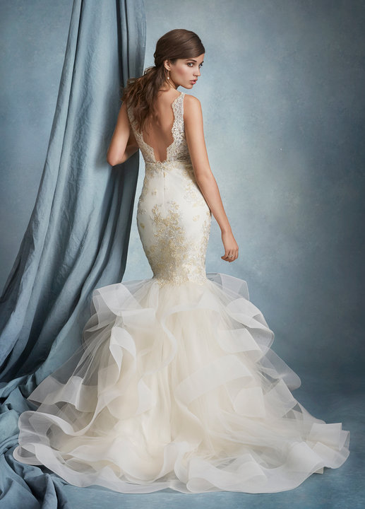 tara-keely-bridal-fit-to-flare-illusion-lace-v-plunging-scalloped-cascading-tulle-horsehair-hem-chapel-train-2608_lg.jpg
