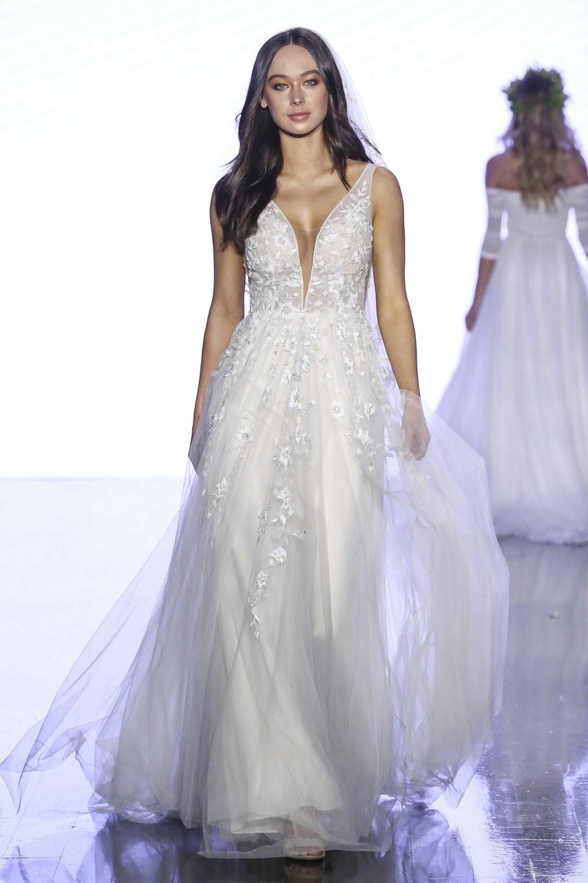 wtoo-by-watters-wedding-dresses-spring-2020-004.jpg