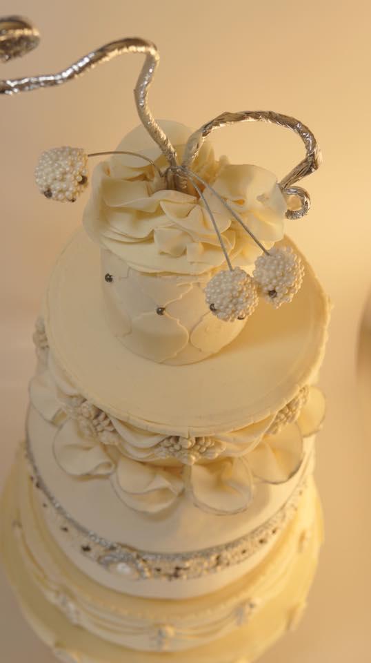 xoxo cake10.jpg