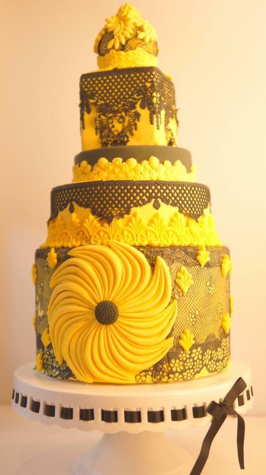 xoxo cake9.jpg