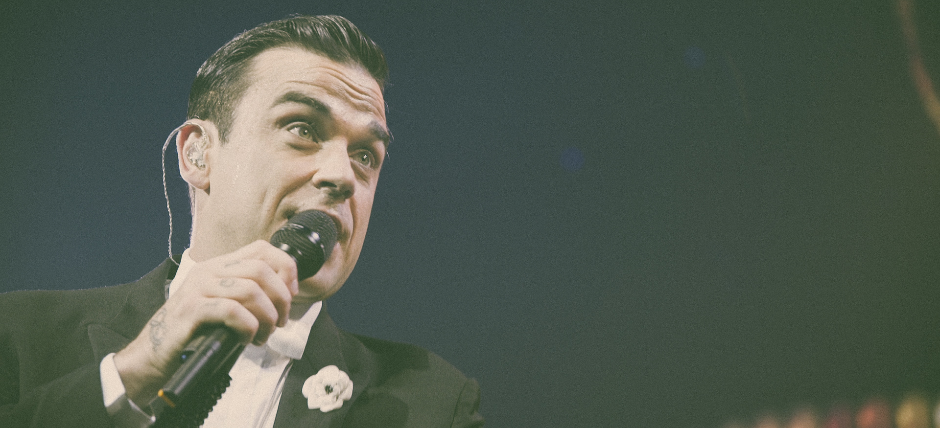 Robbie on Stage on the first night of the Australian Tour in Perth. Photo: Mick Jones