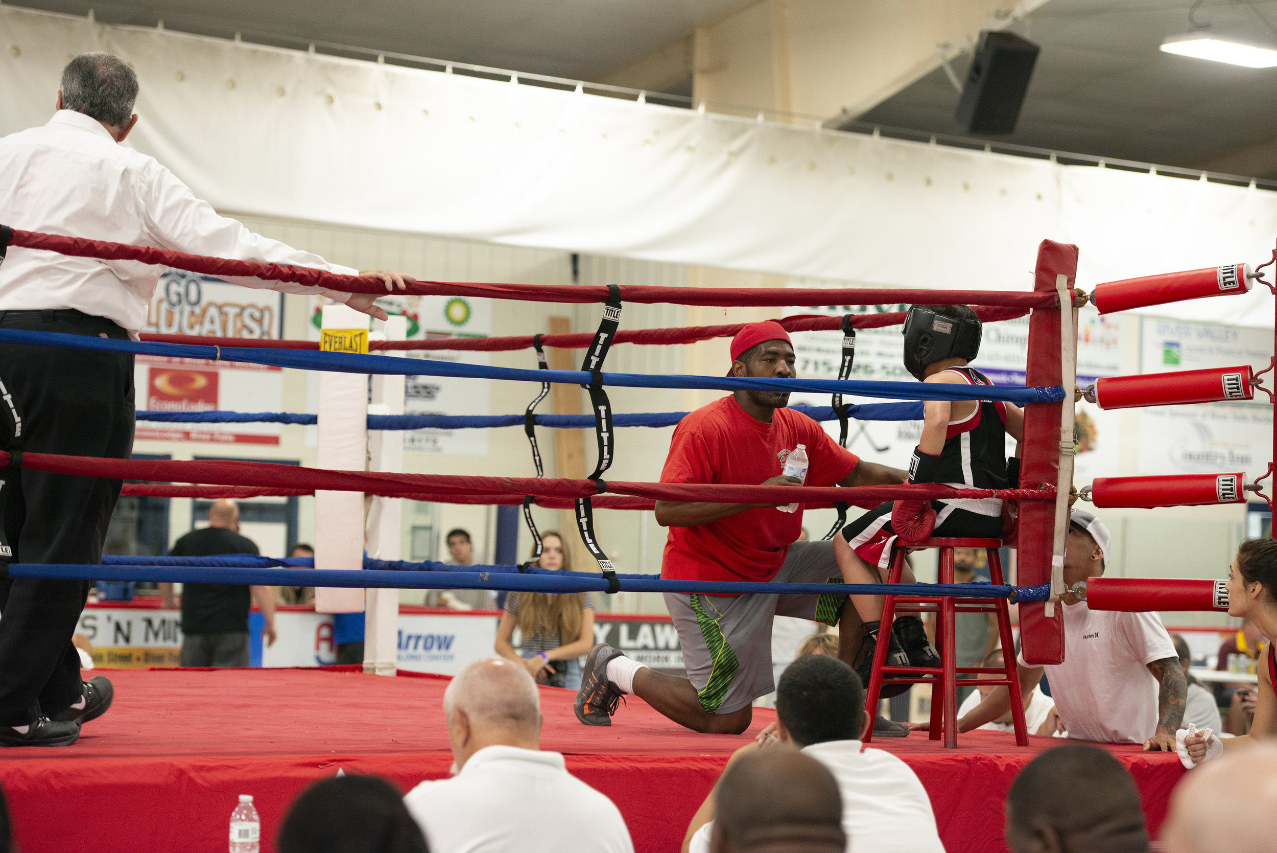 Boxing_Show4_Reverie_photography_Peek-a-Boo_Boxing_Gym_River Falls.jpg