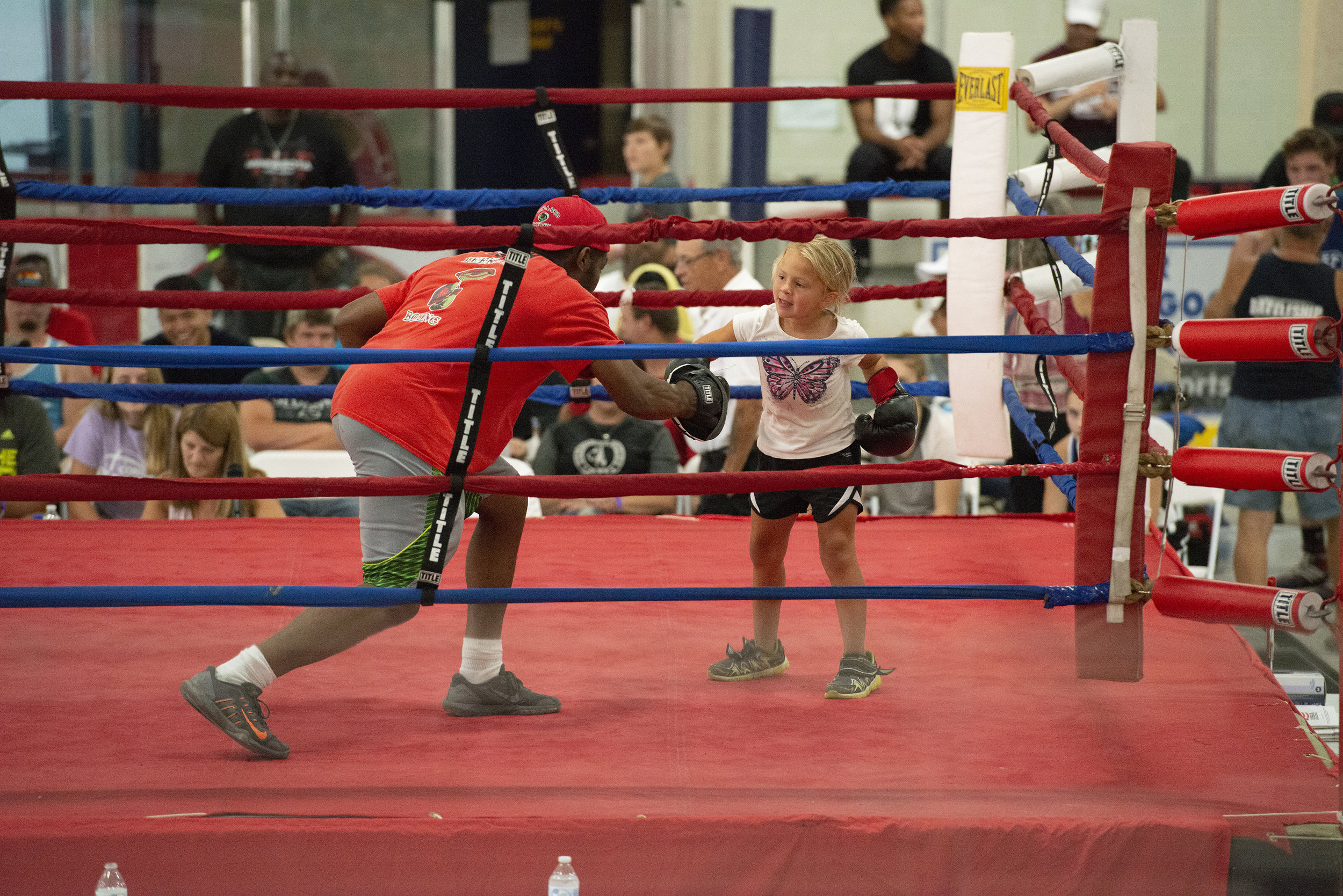 Boxing_Show5_Reverie_photography_Peek-a-Boo_Boxing_Gym_River Falls.jpg