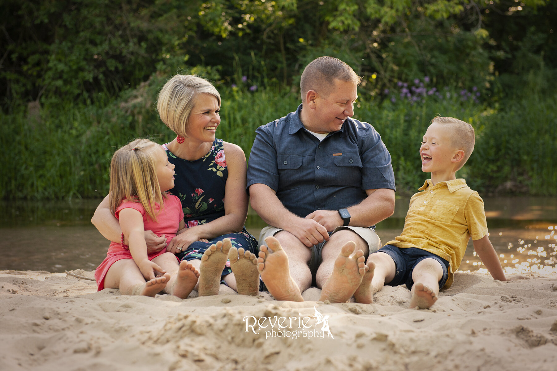 professional family photographer river falls wisconsin rachel paulus.jpg