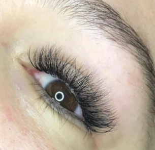 Mixed Classic and Volume Full Set by Master Lash Artist Alli.