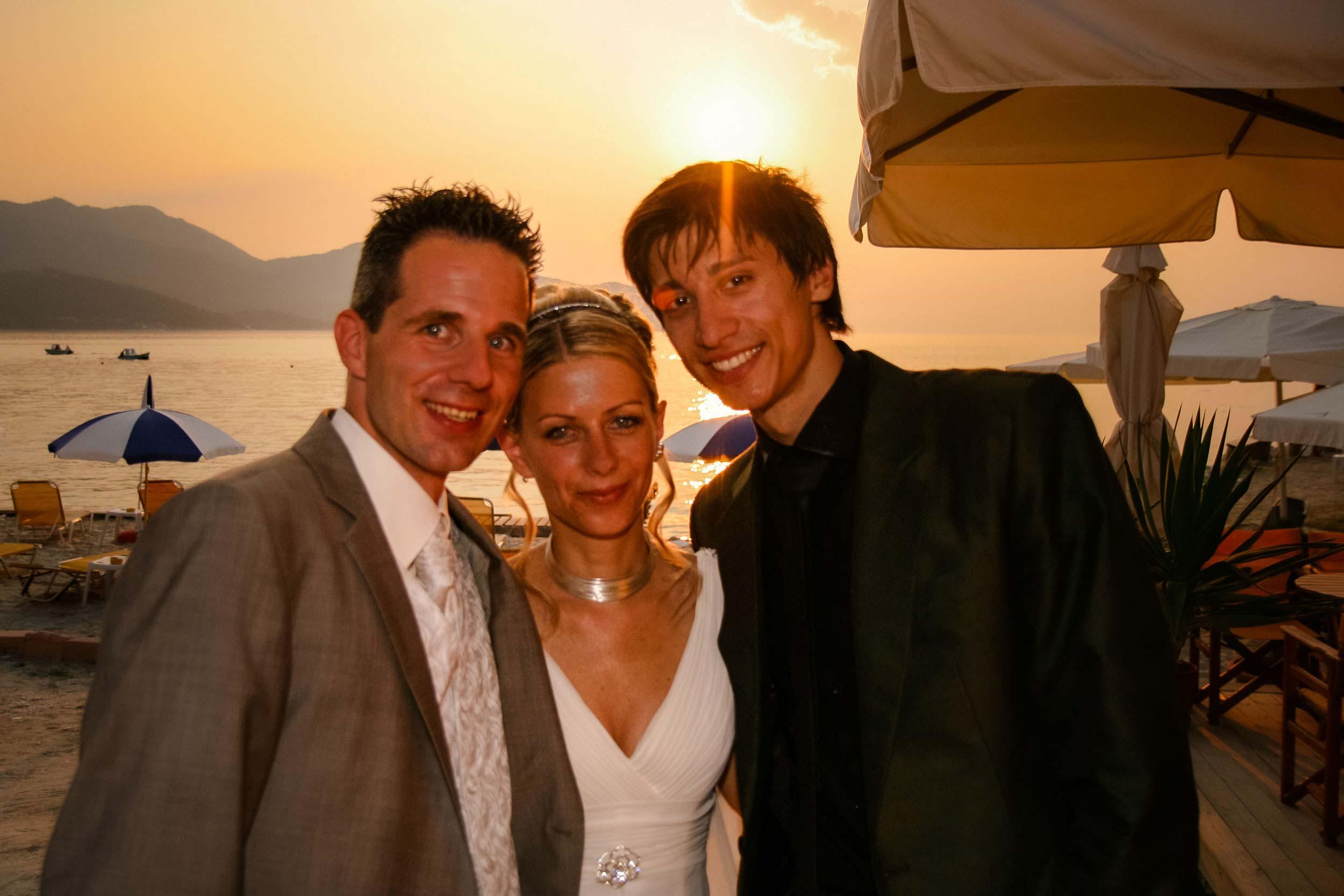 Bis heute mache ich immer ein Bild mit dem Brautpaar. Mittlerweile ist es immer das letzte Bild des Tages, damals war es irgendwann mittendrin.