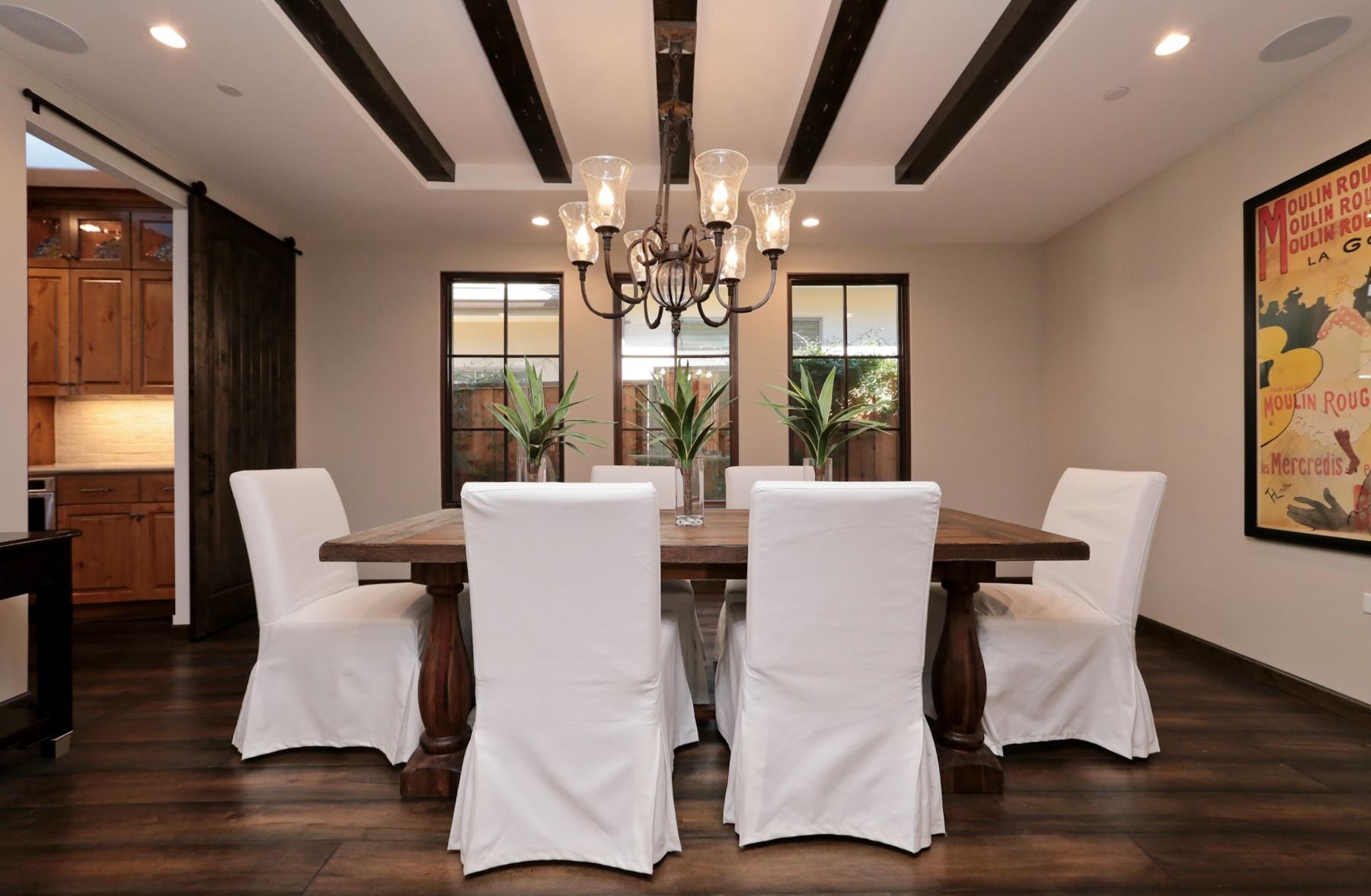 Mediterranean Custom Dinning Room