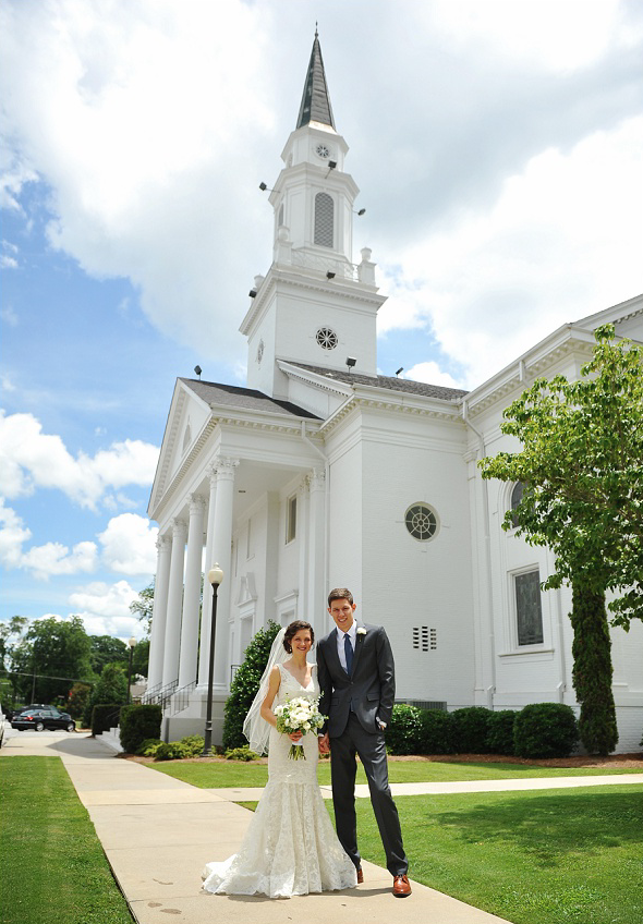 white wedding dress bride and groom alabama chapel