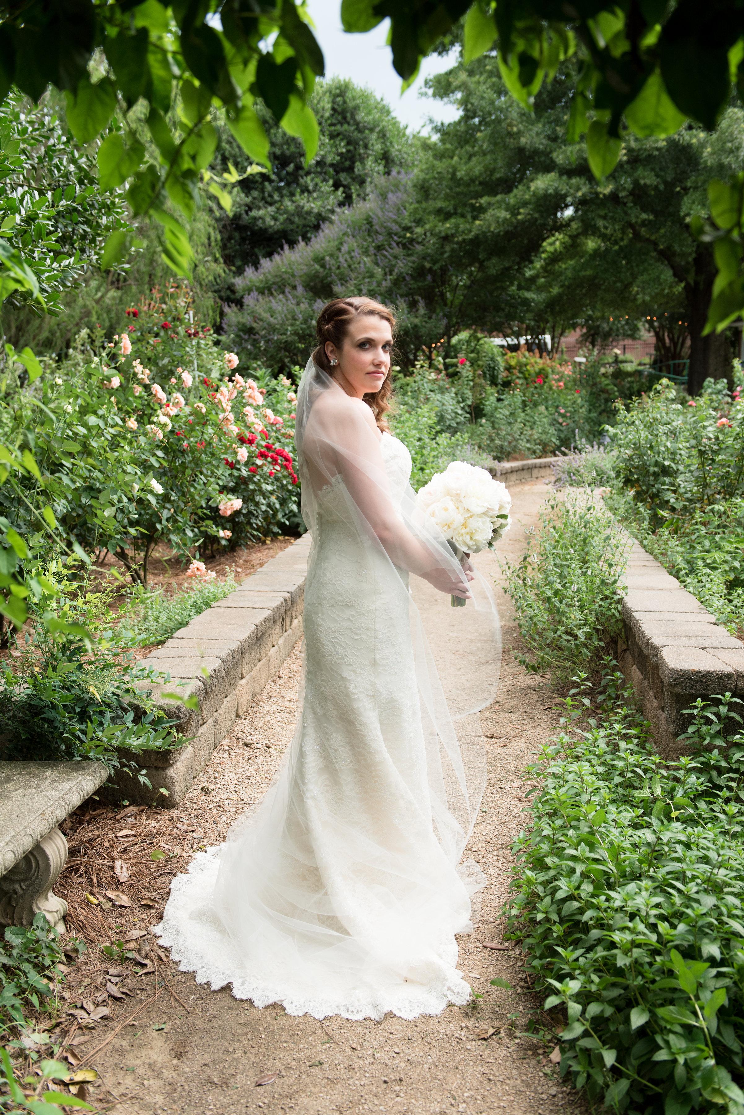 mcgill-rose-garden-bridal-portraits-29.jpg