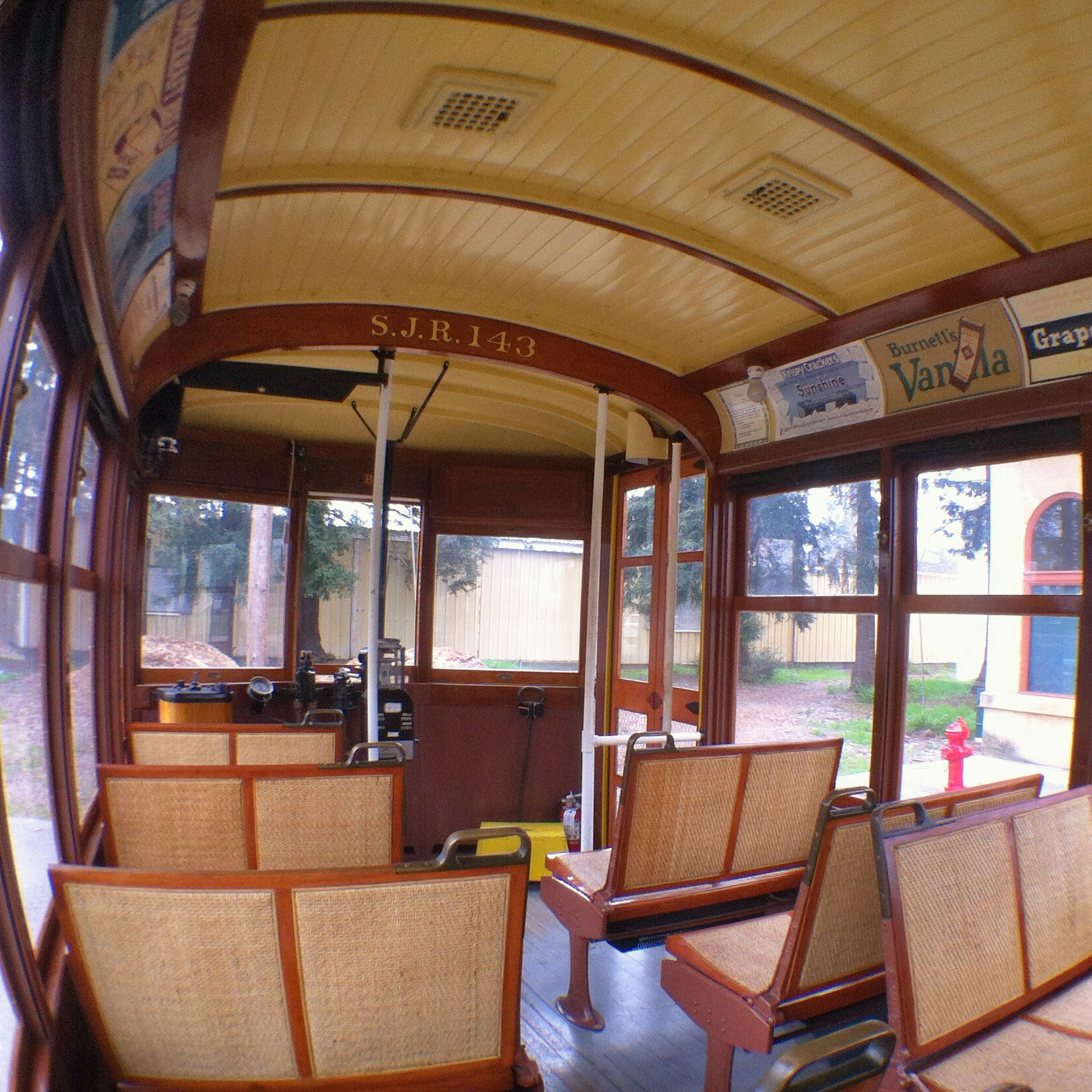 HistorySJ_trolleySeats2.jpg
