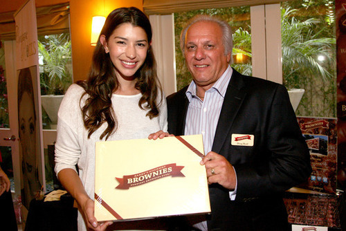 Actress Jamie Gray Hyder (L) and Founder & CEO of Brownies Doug Byrd. Photo by Tommaso Boddi/Getty Images for GBK Productions