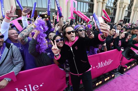 T-Mobile Celebrates the Launch with Over 6,000 Supporters! Courtesy Photo
