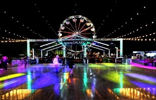 Neon Carnival in All of it's Glory!Photo Credits: Jesse Grant, Jonathan Leibson, Joe Scarnici
