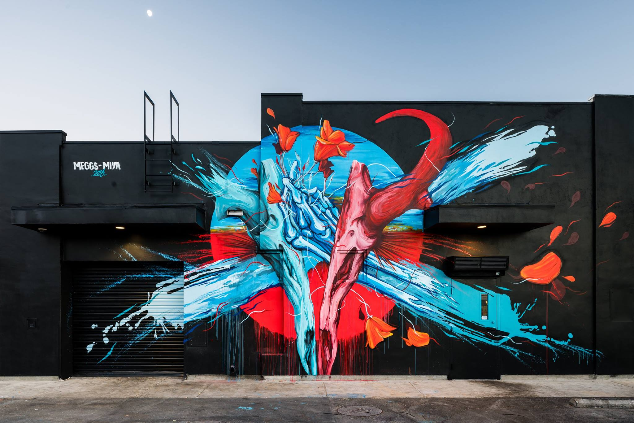 Take a look at Pow! Wow! Antelope Valley, supported by the Lancaster Museum of Art and History and Thinkspace Gallery. Featured artists are Amandalynn and MEGGS. Photo Credit: @bshigeta Project: Mural festival supported by @moahlancaster @thinkspacegallery @powwowworldwide