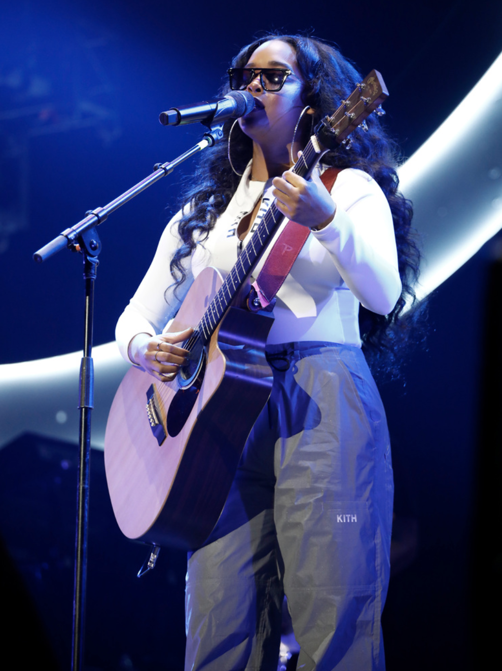 True Talent! H.E.R ALWAYS Gives an Impressive Performance. Photo Credit: Getty Images for BET