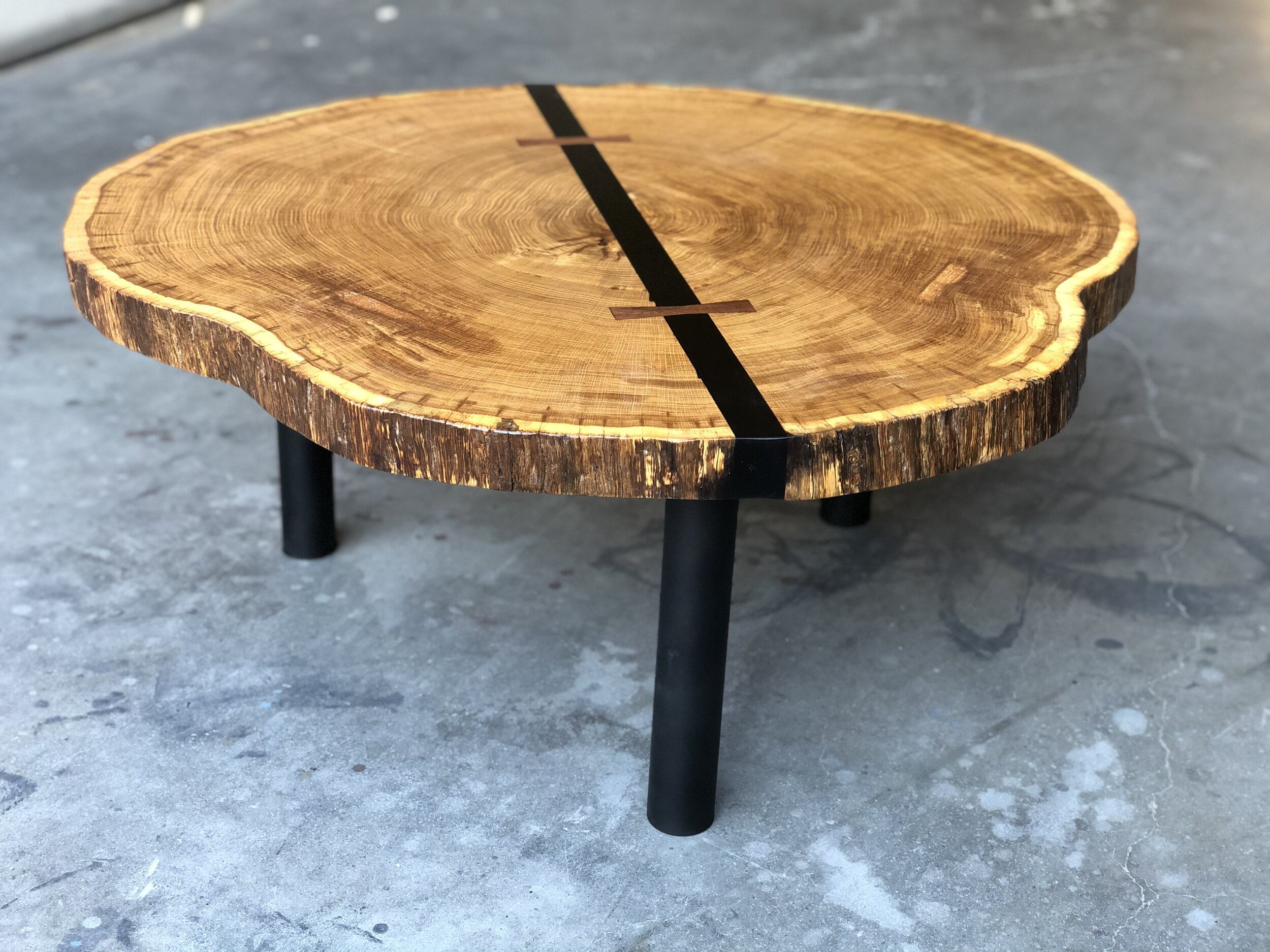 Picture of: Live Edge Tables Pasadenaville Live Edge Wood Slab Tables And Furniture Los Angeles California