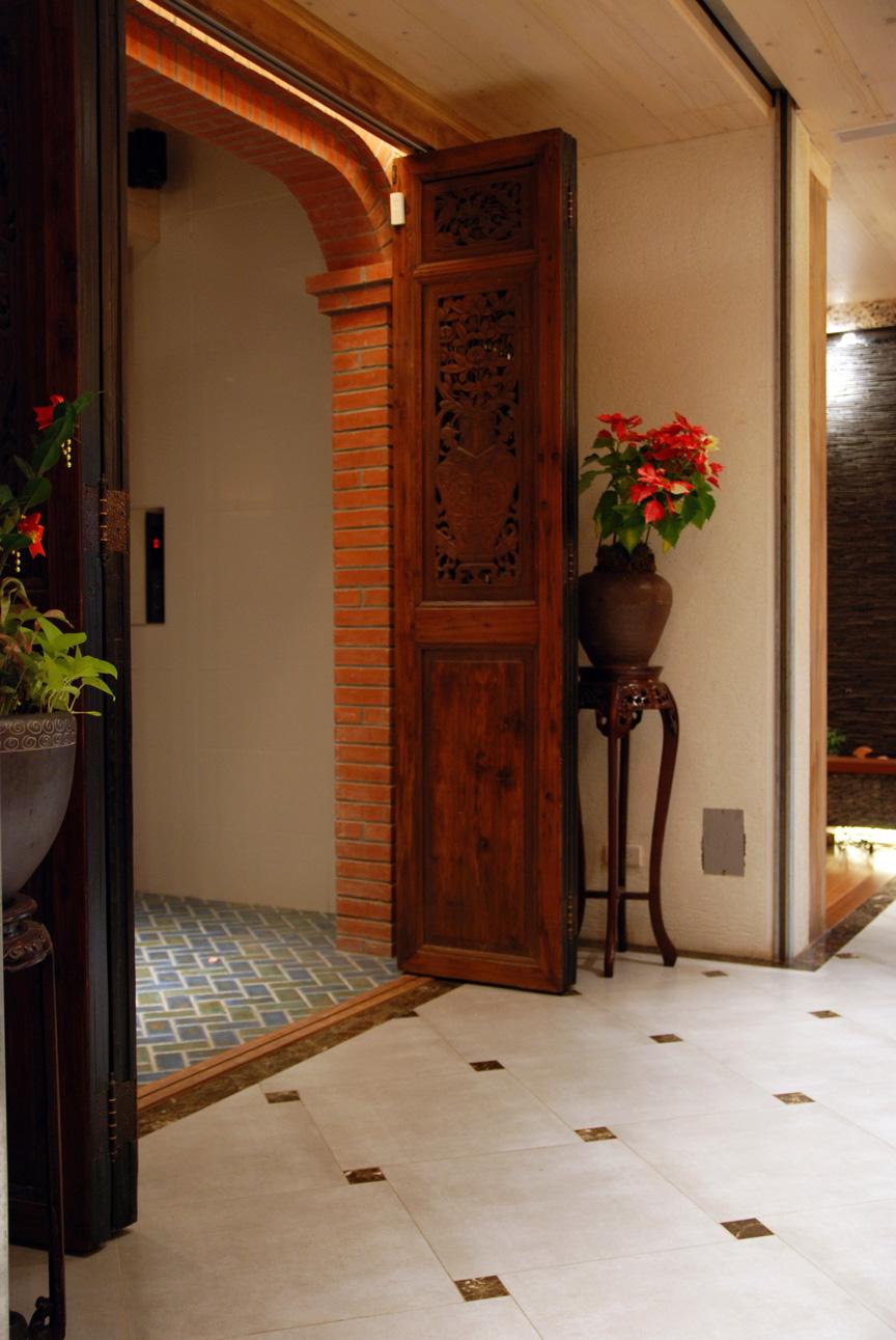 入口-櫃台前