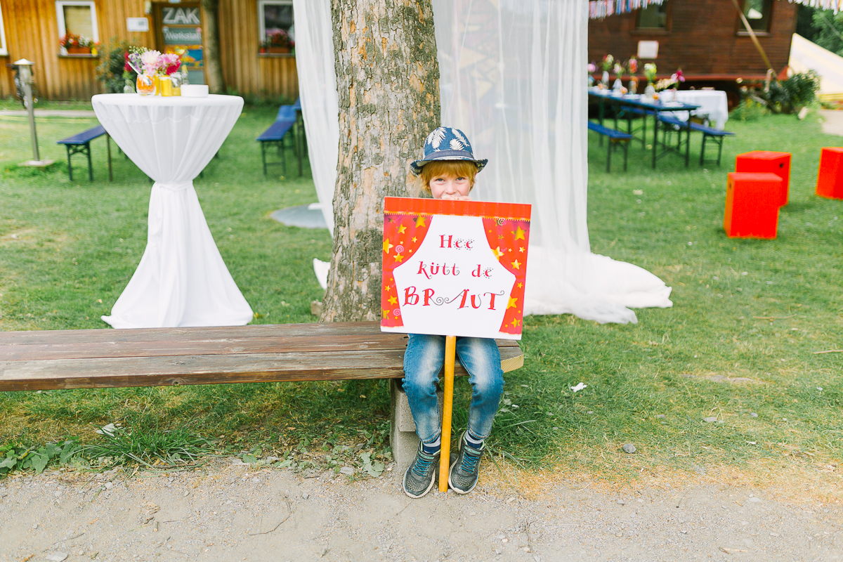 Hochzeitsfotograf Le Hai Linh Koeln Duesseldorf Bonn Zirkushochzeit Vintagehochzeit Sommerhochzeit 044.jpg