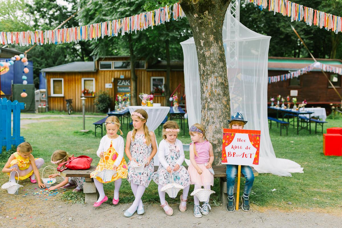 Hochzeitsfotograf Le Hai Linh Koeln Duesseldorf Bonn Zirkushochzeit Vintagehochzeit Sommerhochzeit 047.jpg