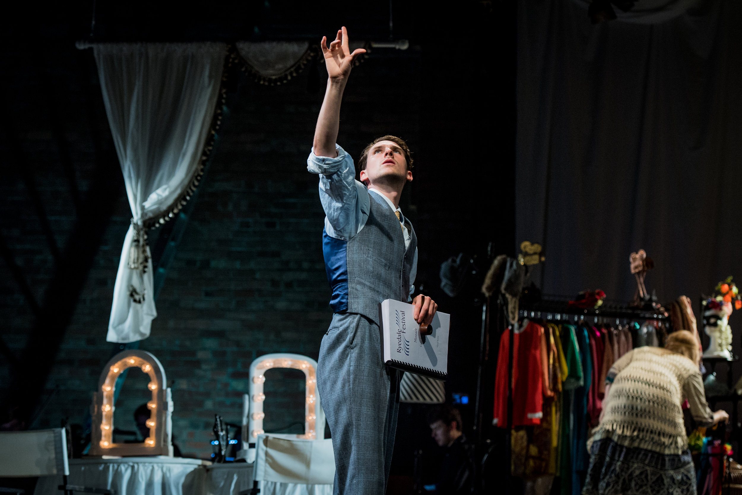 Così fan Tutte, Ryedale Festival Opera. Designer Laura Jane Stanfield, Lighting Designer Ben Pickersgill. Photo Robert Workman