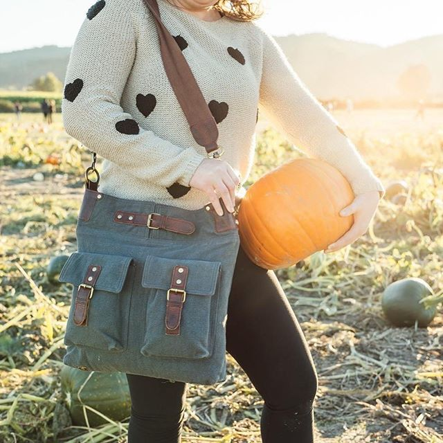 Anabaglish Crossbody 🍁🍂 Available in 2 colors, 100% cotton canvas  #anabaglish #canvasbags #crossbody #nelsonsfootwear