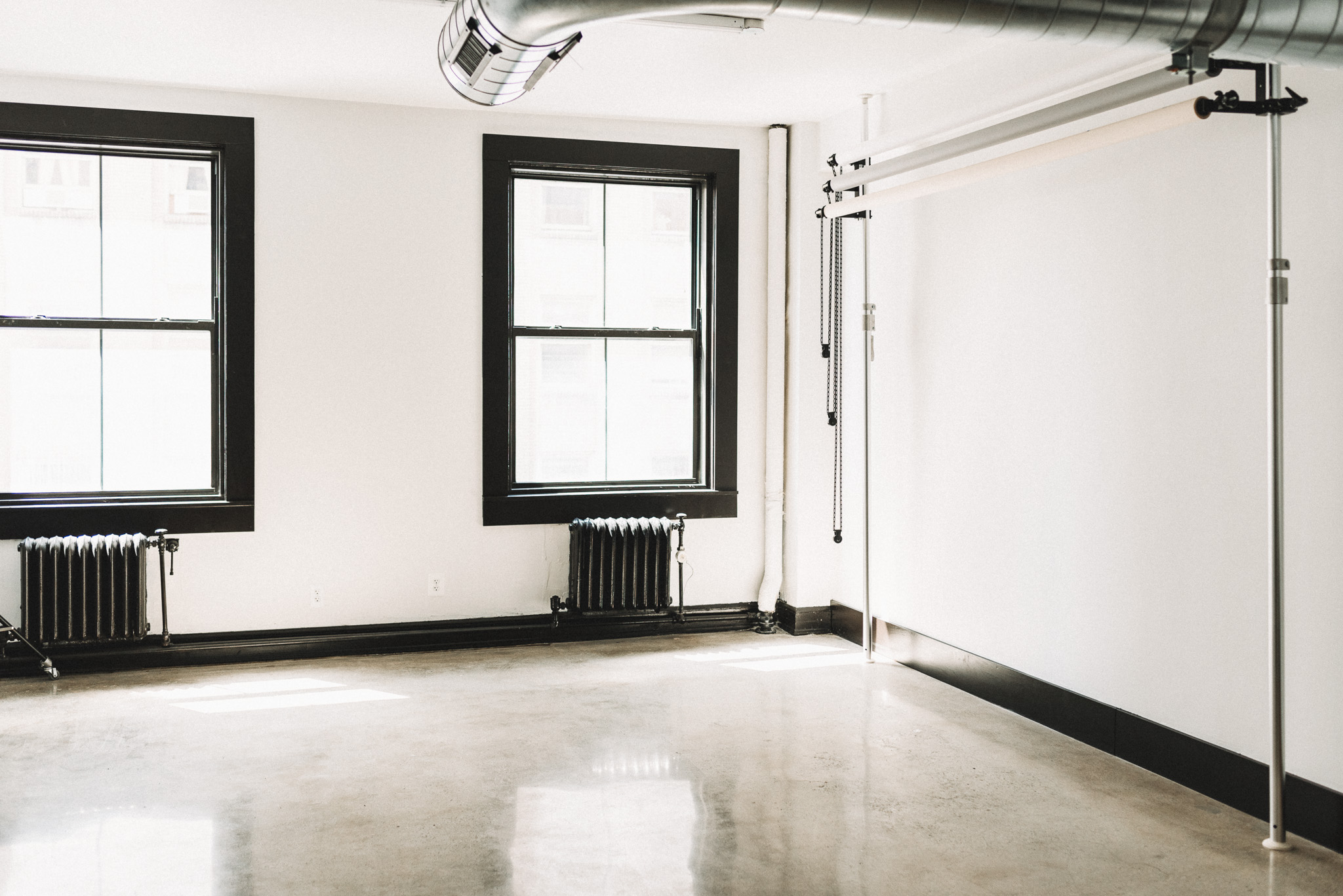 Laur Nash Photography - Studio Located in Downtown Pontiac, Michigan