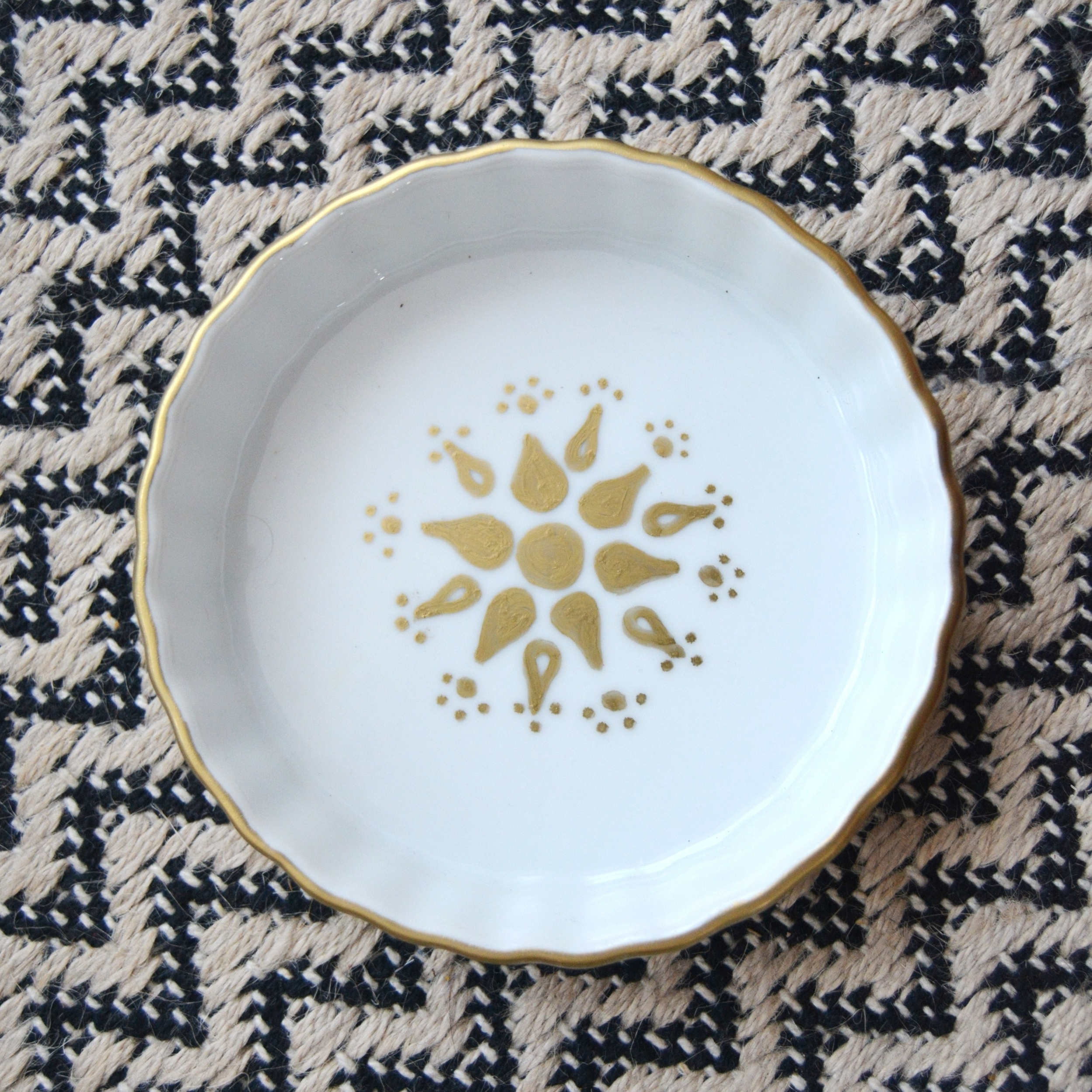 DIY gold trimmed jewelry dish