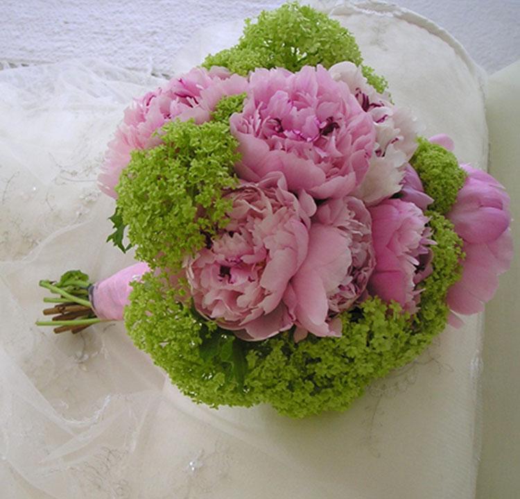 Pink peonies & viburnum bridal bouquet