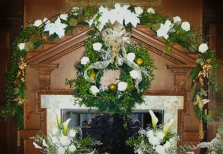 Elegant white holiday mantel, swag & wreath decorating ideas