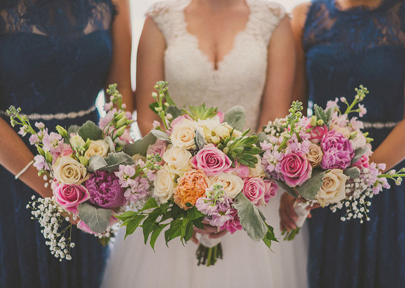 Bridesmaids Bouquets : Photo by xuliuphotography.com