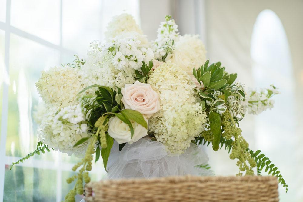 Soft Pastels Floral Arrangement : douglaslevyphotography.com
