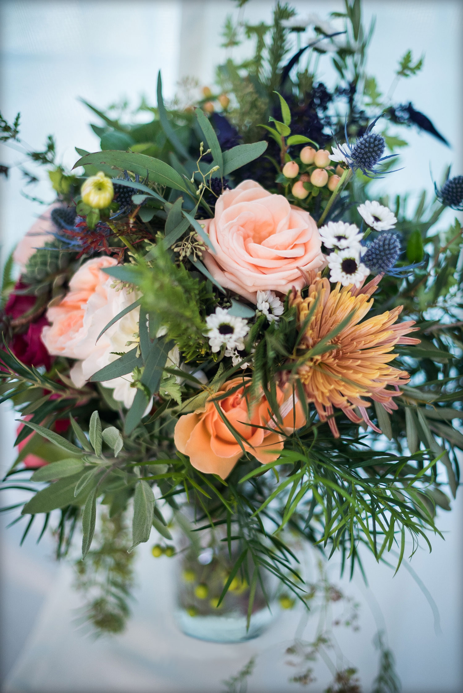 Fall bouquet with greenery : Josh London Photography