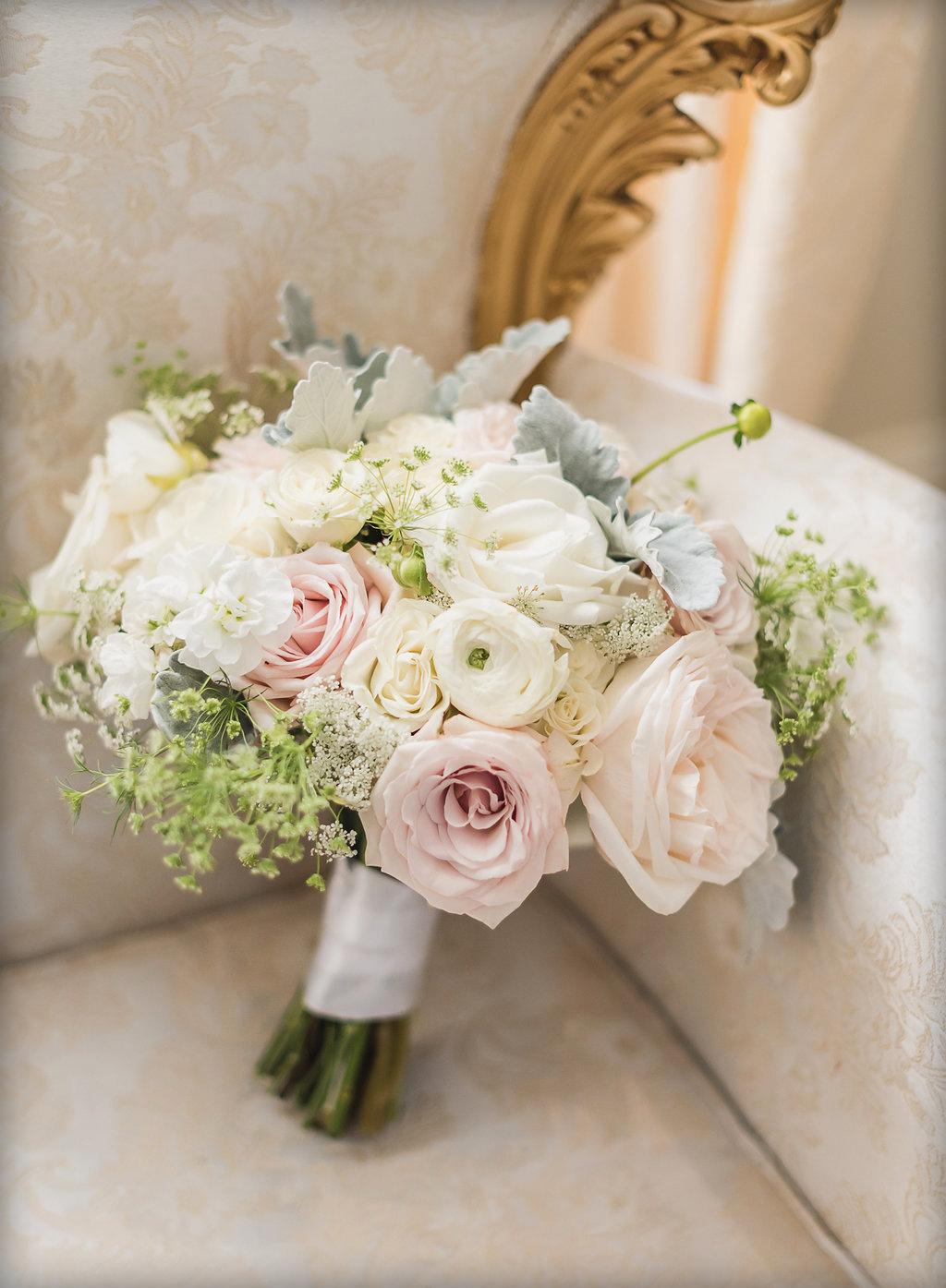 Blush & white bridal bouquet : Jackie Averill Photography